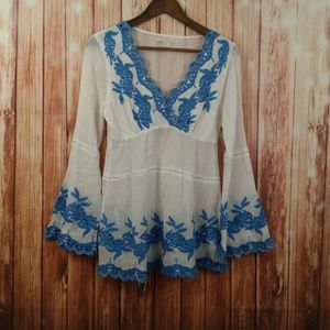 Bohemian style v-neck bell sleeves Embroiderey top